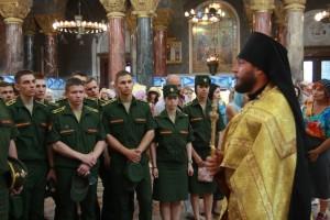 В день Крещения Руси курсанты  Военной академии связи молились в Никольском соборе Кронштадта