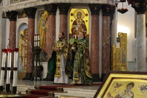 Офицеры и курсанты академии связи молились в Кронштадте